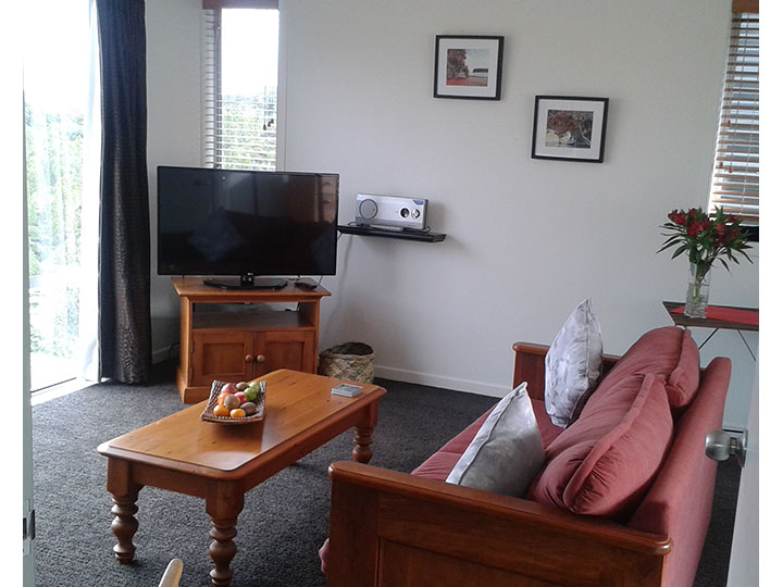 Lounge at Mahurangi West Wing B&B